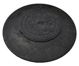 Конус колодца полимерпесчаный с черным люком диаметр: 1090/570 мм 3т