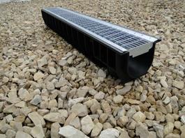 Водоотводный лоток пластиковый дренажный с решеткой ячеистой сталь оцинкованная (1000x145x135)