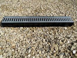 Водоотводный лоток пластиковый дренажный с решеткой штампованной оцинкованной (1000x145x100)