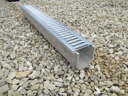 Водоотводный лоток полимербетонный с решеткой штампованной оцинкованной (1000x140x130)